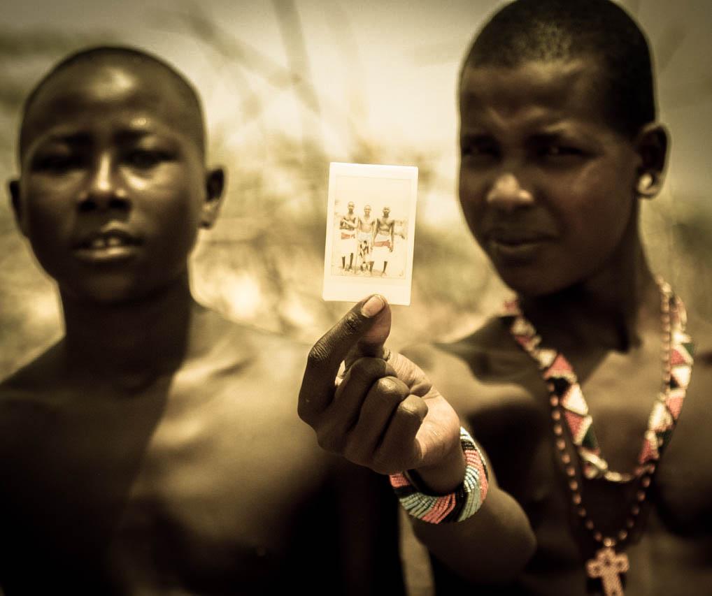 7_Kenya to photograph)