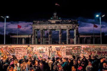 Modern-Berlin_Plaid-Zebra