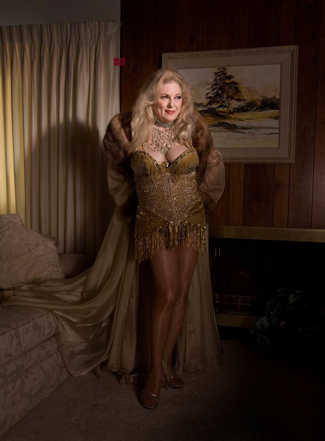 2__Burlesque Dancer
