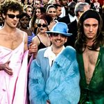 South Park creators went to the Oscars on acid and dressed like women to prove a point (Video)