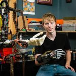 This 19-year-old invented a prosthetic arm that you can 3D print for free