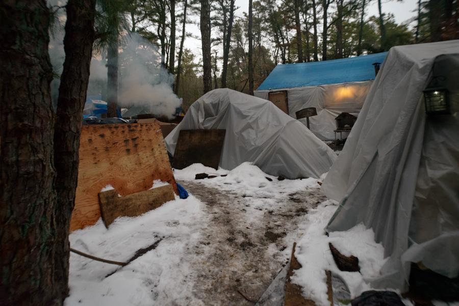 7_tent city