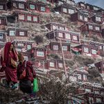 40,000 Tibetan monks populate the most tranquil village on Earth (Photos)