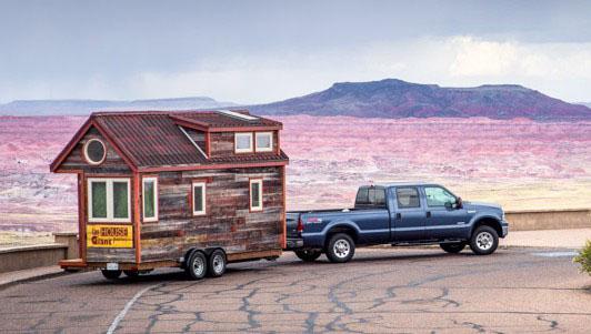 1_Tiny-House-Giant-Journey-750x333