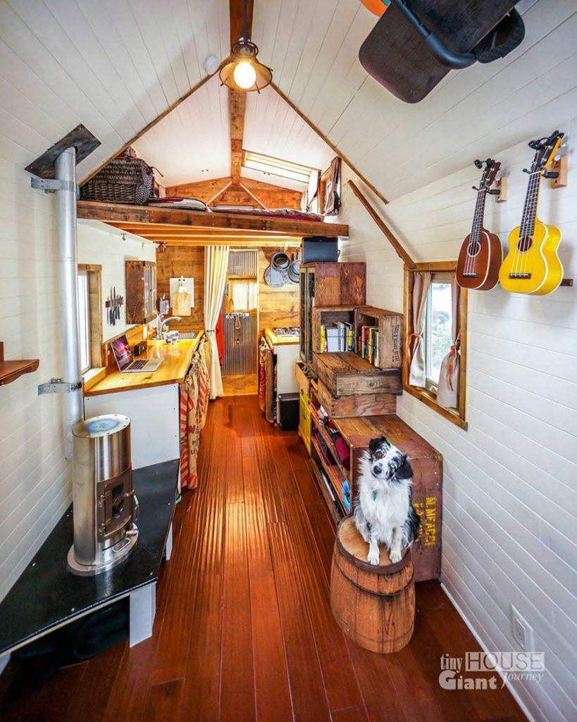 7_Tiny House Giant Journey