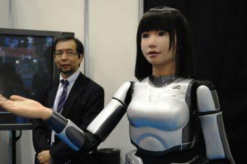1_robot-staffed hotel