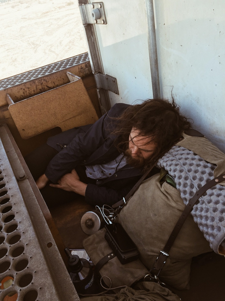 This 26-year-old makes a living by train-hopping and ...