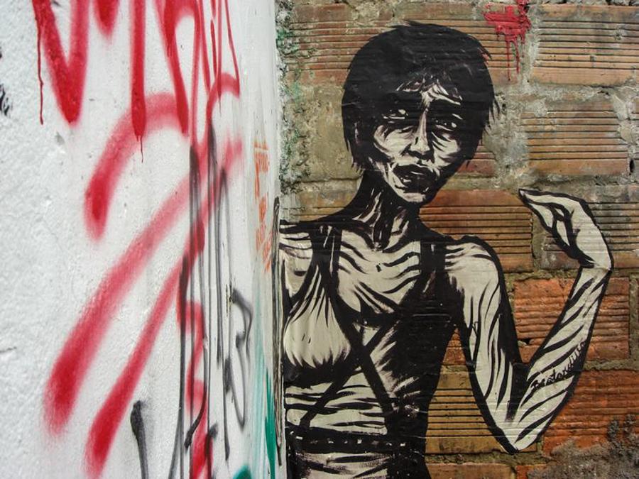 9_Bastardilla female street artist