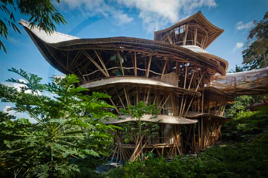 A woman quit the nyc fashion scene to build these epic for Bali style homes to build