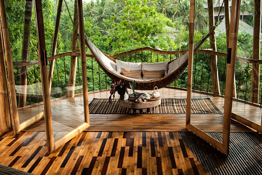 3_House made of bamboo