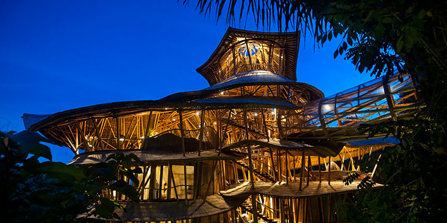 8_House made of bamboo