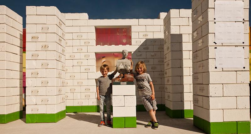 0_disaster debris as lego building blocks