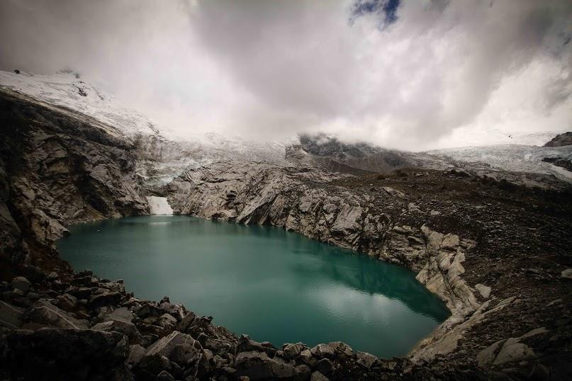 3_school under melting glacier