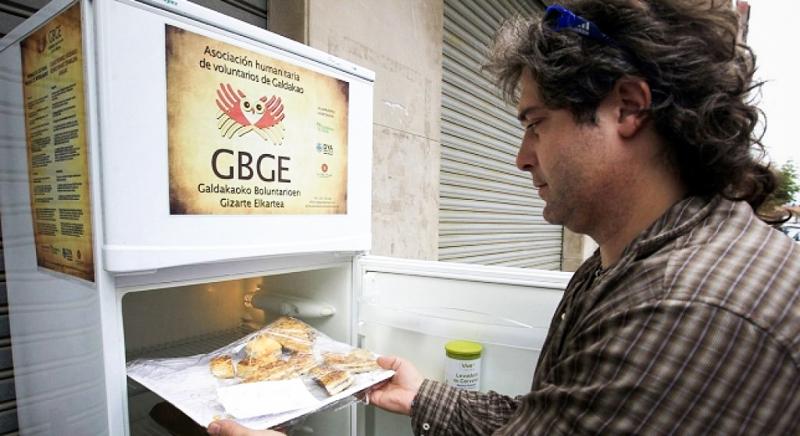 3_free food fridge in Spain
