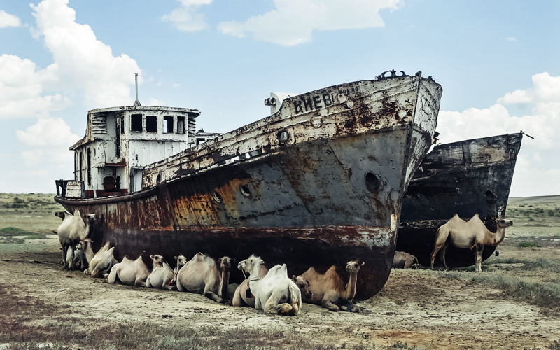 4_abandoned ships