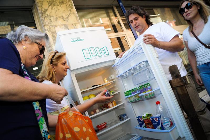 5_free food fridge in Spain
