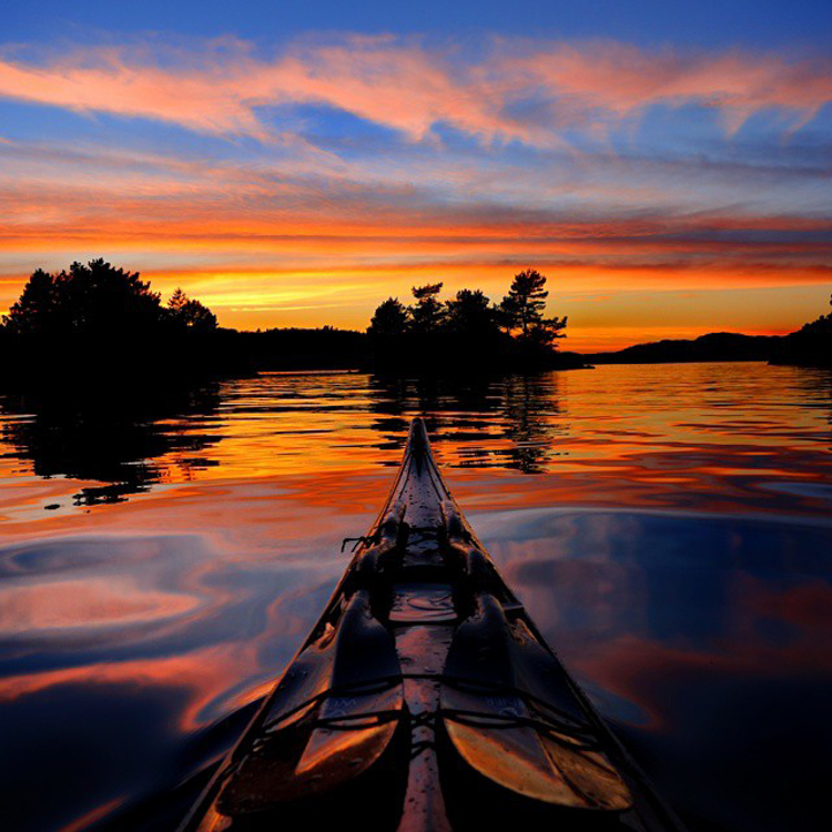 12_adventure kayaker