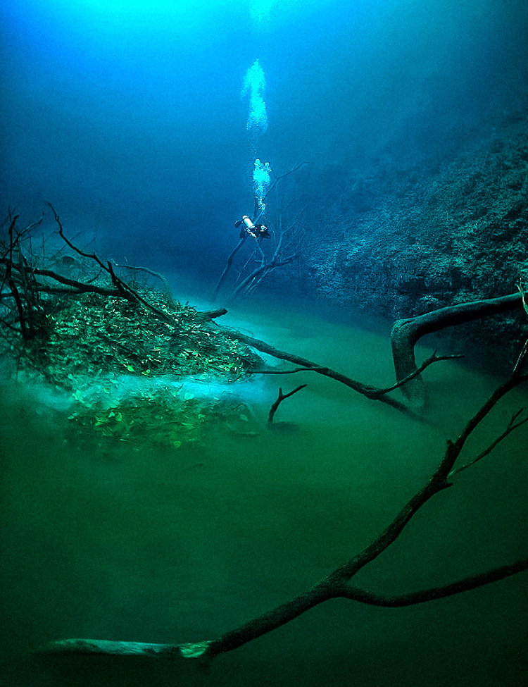 3_amazing underwater river