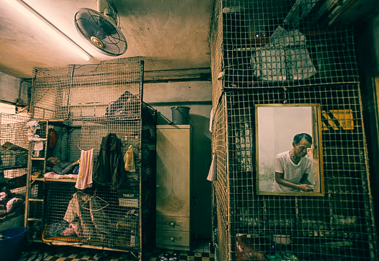 These People Are Living Like Caged Animals In Hong Kong S Cubicle Homes
