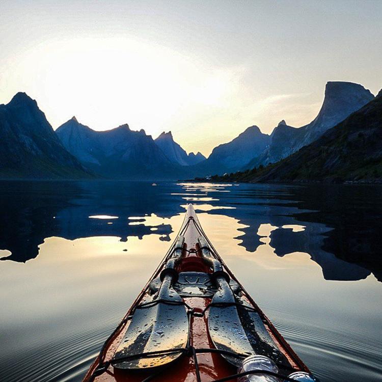 4_adventure kayaker