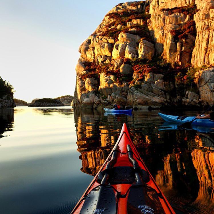 8_adventure kayaker