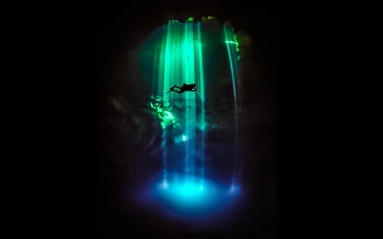 8_amazing underwater river