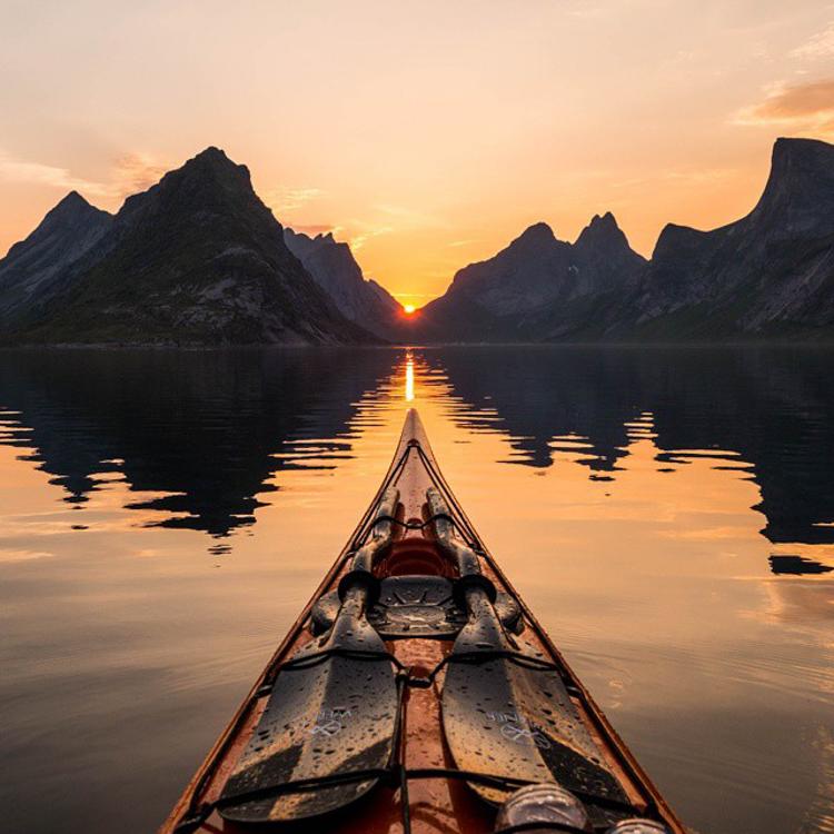 9_adventure kayaker