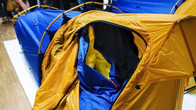 4_sleeping bag and tent hybrid