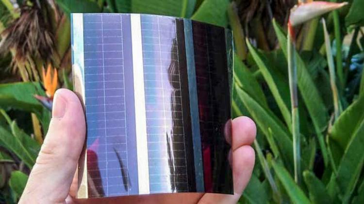 3_paper-thin solar cells
