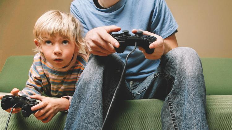 4_video games heroes in real life