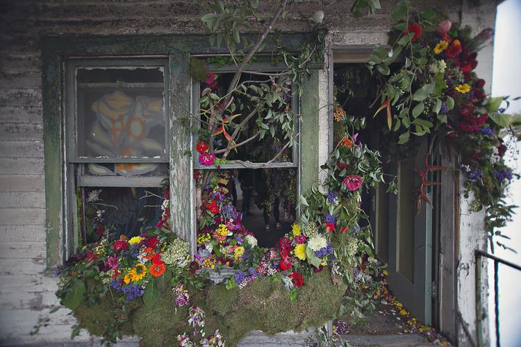 5_abandoned house flower sanctuary