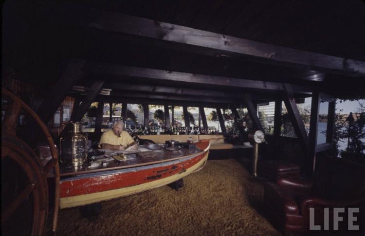 11_houseboat community