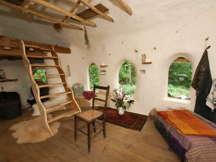 This Guy Hand Built An Eco Friendly Cob House For Only 250