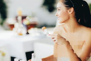 1_restaurant guests can enjoy their food completely naked