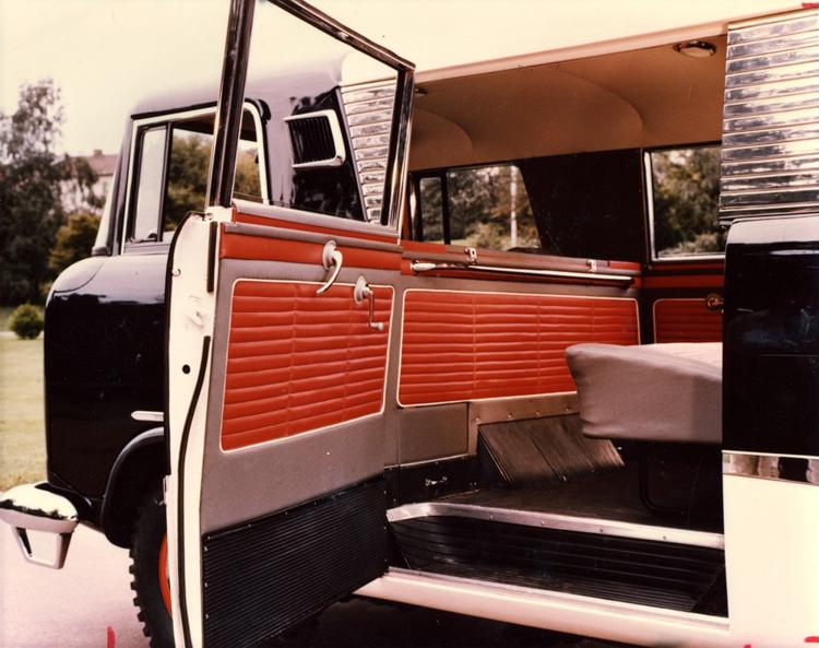 3_Jeep hippie van