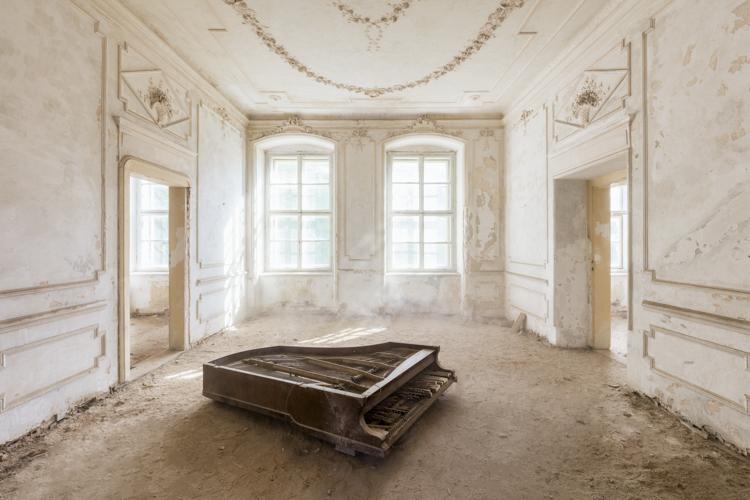 11_Abandoned-buldings