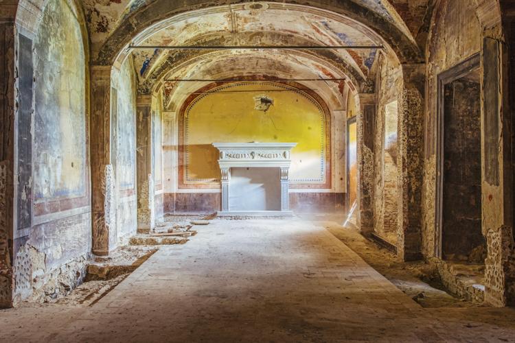 3_Abandoned-buldings