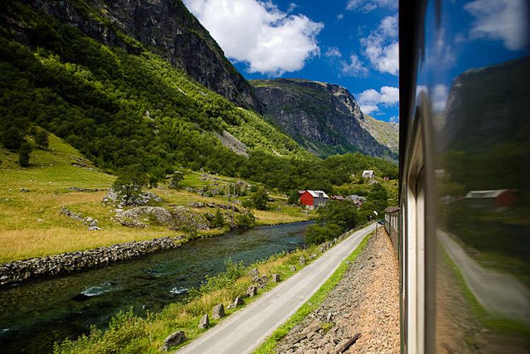 4_adventure travel train routes