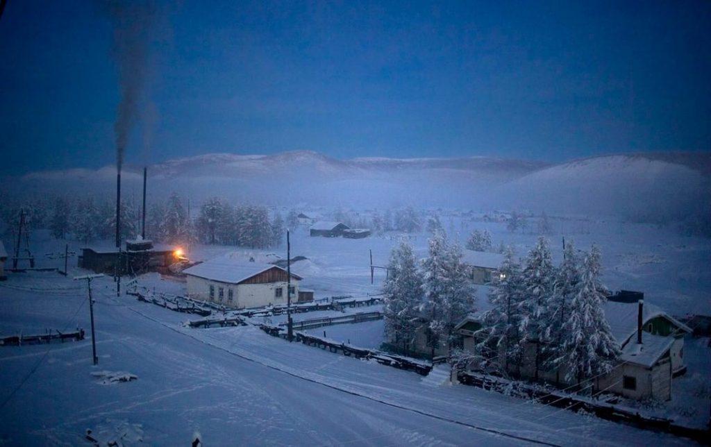 16_Oymyakon villiage at dawn
