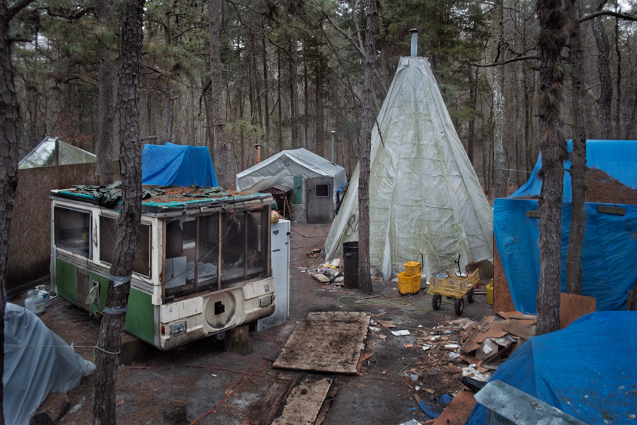 12_tent city