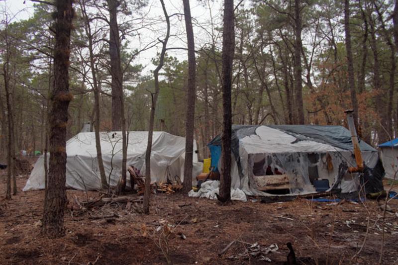 1a_tent village