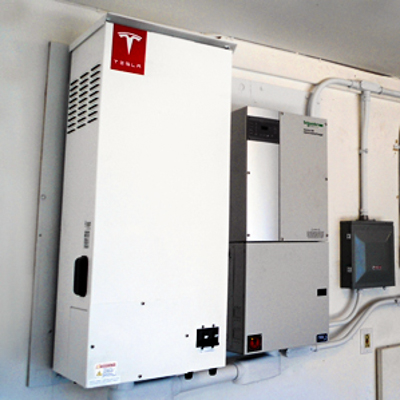 SolarCity has already installed hundreds of prototypes of Tesla ...