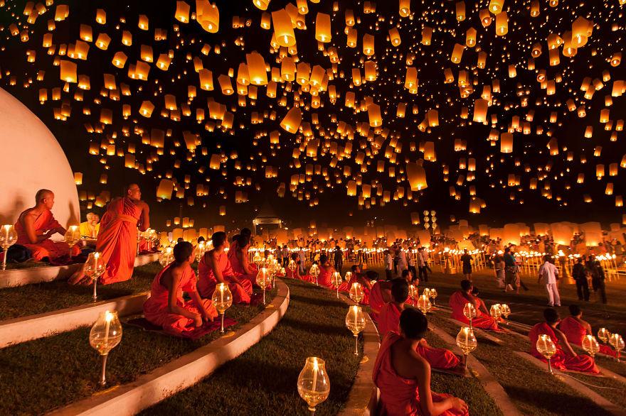 1_Yi Peng Lantern Festival (Thailand)