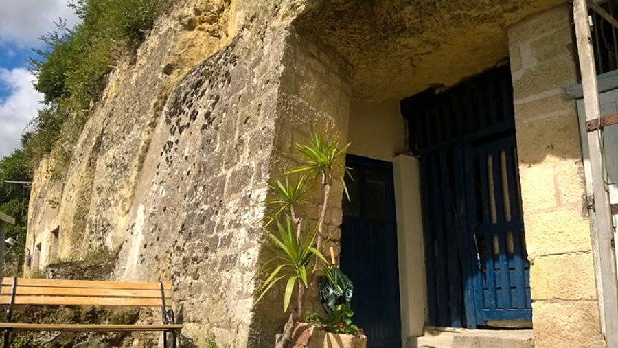 3_cheap cave tiny house