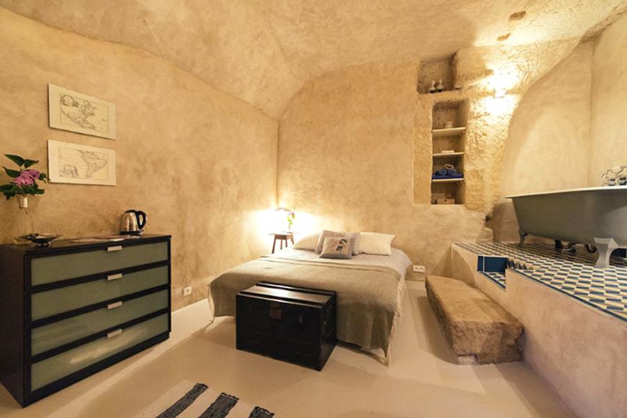 6_cheap cave tiny house