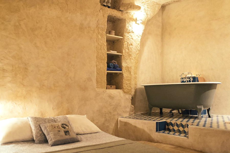 7_cheap cave tiny house