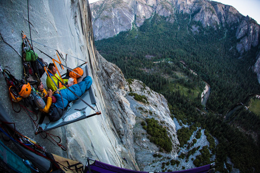 3_Extreme mountain camping