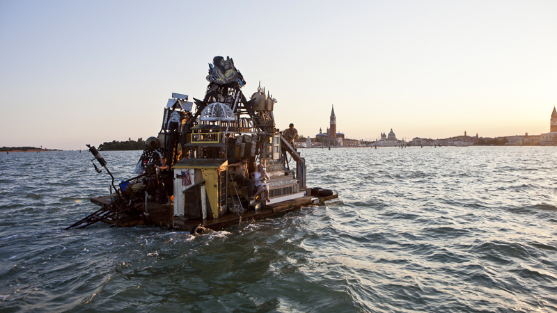 14_Dumpster Diving Artists floating sculptures