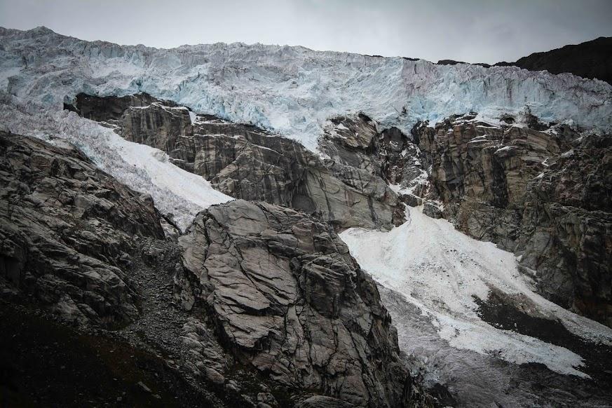 1_school under melting glacier