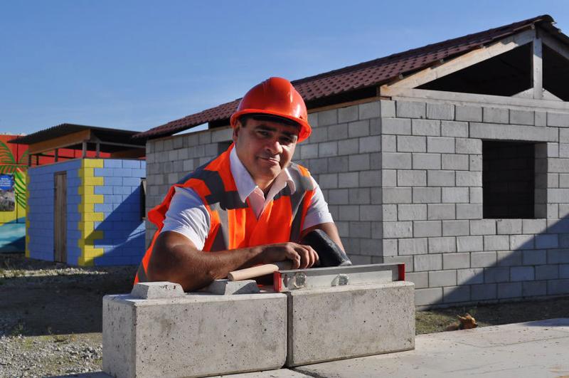 2_disaster debris as lego building blocks